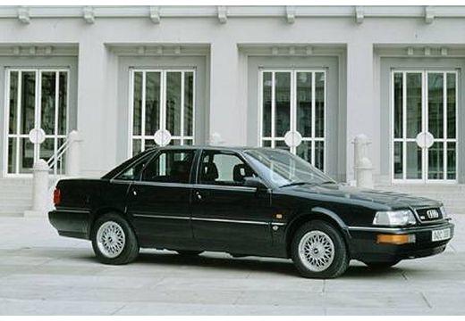 AUDI V8 D11 sedan czarny przedni prawy