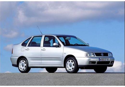 VOLKSWAGEN Polo sedan silver grey przedni prawy