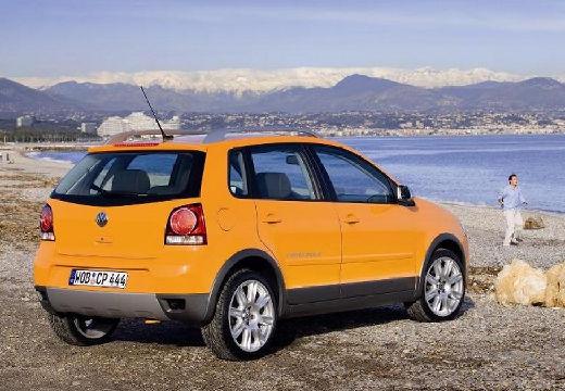 VOLKSWAGEN Polo IV II hatchback pomarańczowy tylny prawy