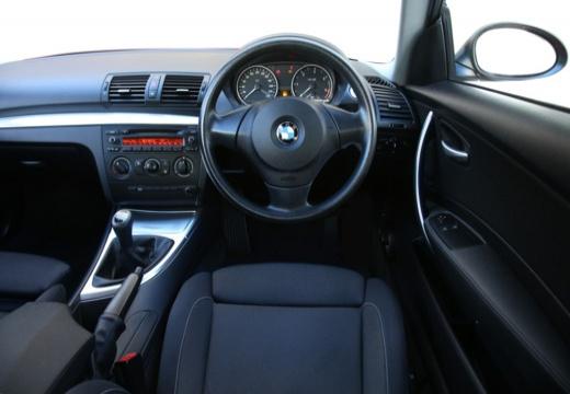 BMW Seria 1 E81 hatchback tablica rozdzielcza