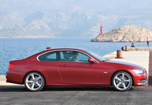 BMW Seria 3 E92 II coupe czerwony jasny boczny prawy