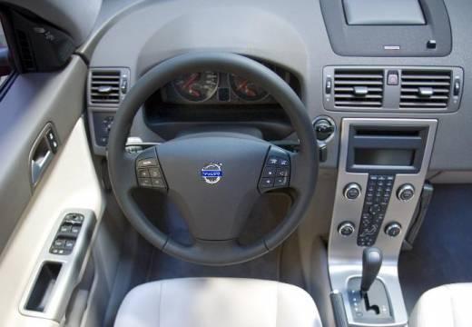VOLVO S40 V sedan