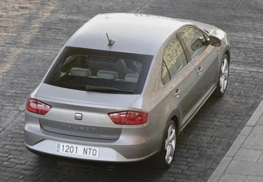 SEAT Toledo IV hatchback silver grey tylny prawy