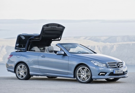 MERCEDES-BENZ Klasa E Cabrio A 207 I kabriolet niebieski jasny przedni prawy