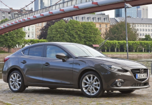 MAZDA 3 V sedan silver grey przedni prawy