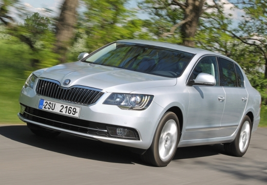 SKODA Superb 1.8 TSI 4x4 Business Hatchback IV 160KM (benzyna)