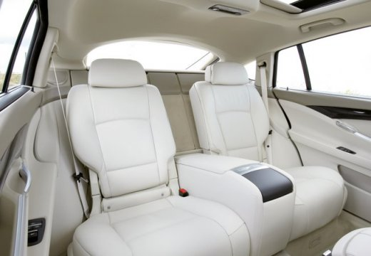 BMW Seria 5 Gran Turismo hatchback wnętrze