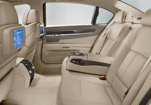 BMW Seria 7 F01 F02 I sedan wnętrze