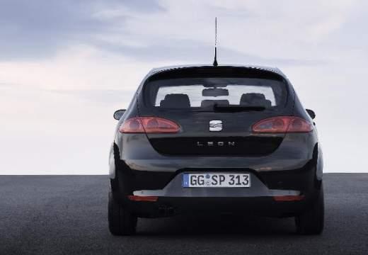 SEAT Leon II hatchback czarny tylny