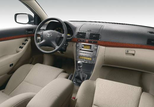 Toyota Avensis Liftback IV hatchback tablica rozdzielcza