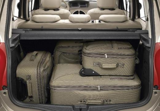 RENAULT Modus hatchback beige przestrzeń załadunkowa