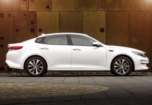 KIA Optima sedan biały boczny prawy