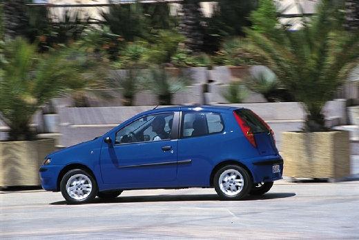 FIAT Punto II I hatchback niebieski jasny tylny lewy