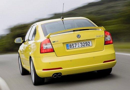 SKODA Octavia II II hatchback żółty tylny lewy