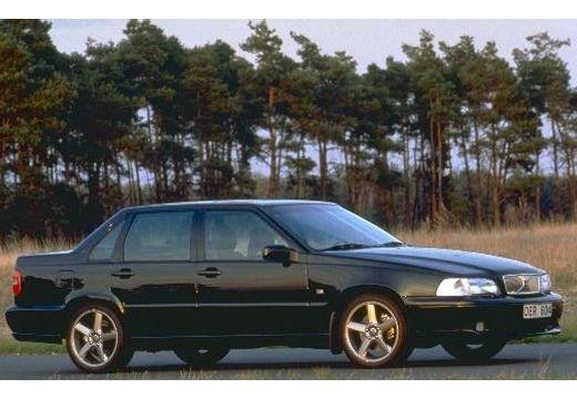 VOLVO S70 sedan czarny przedni prawy