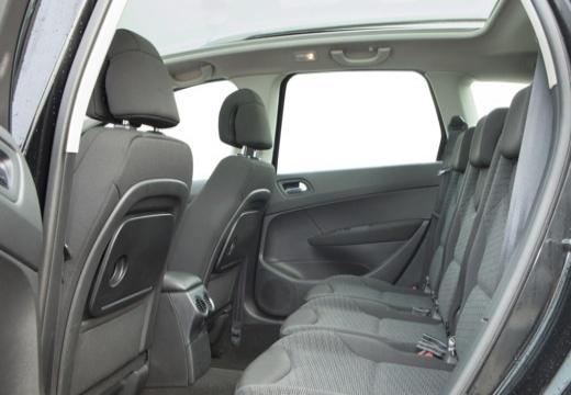 PEUGEOT 308 I hatchback wnętrze