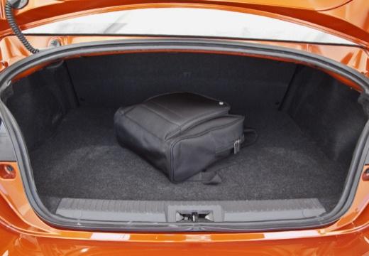 Toyota GT86 I coupe pomarańczowy przestrzeń załadunkowa