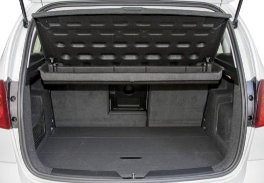SEAT Altea II hatchback biały przestrzeń załadunkowa