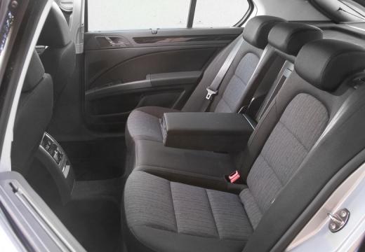SKODA Superb IV hatchback wnętrze