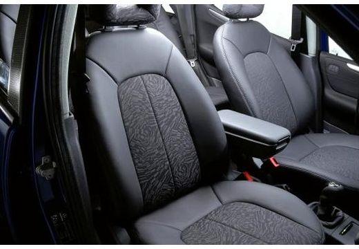 MERCEDES-BENZ Klasa A V 168 hatchback wnętrze