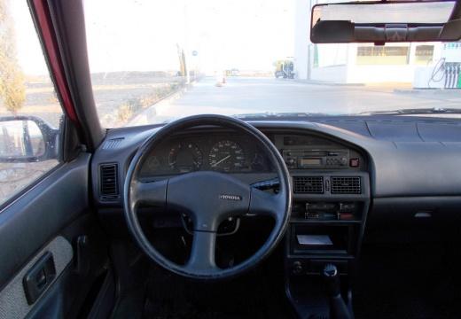 Toyota Corolla hatchback tablica rozdzielcza