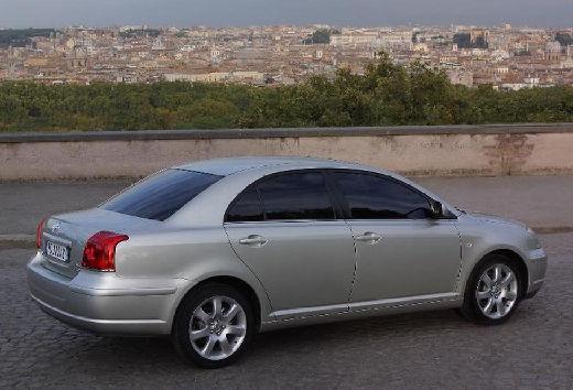 Toyota Avensis III sedan silver grey tylny prawy