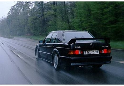 MERCEDES-BENZ 190 sedan czarny tylny lewy