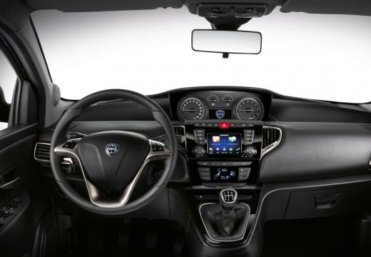 LANCIA Ypsilon III hatchback tablica rozdzielcza
