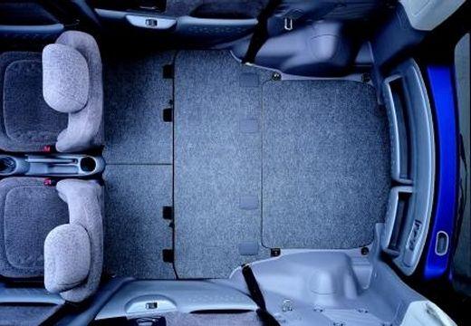 Toyota Yaris Verso I kombi przestrzeń załadunkowa