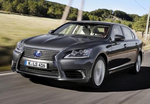 LEXUS LS sedan silver grey przedni lewy