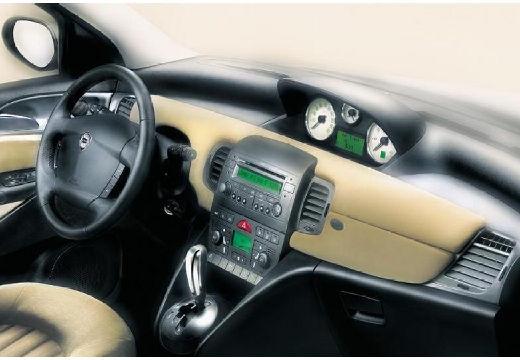 LANCIA Ypsilon I hatchback tablica rozdzielcza