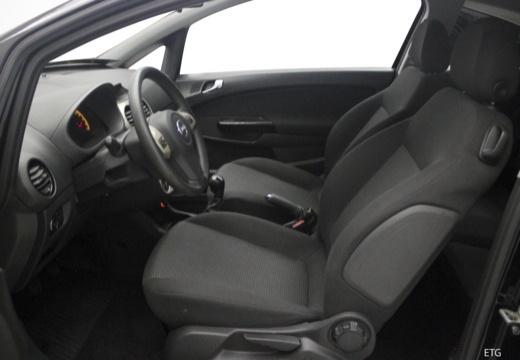 OPEL Corsa D I hatchback wnętrze