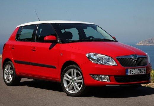 SKODA Fabia II II hatchback czerwony jasny przedni prawy