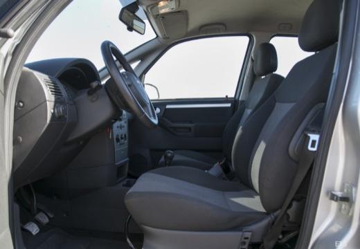 OPEL Meriva II hatchback wnętrze