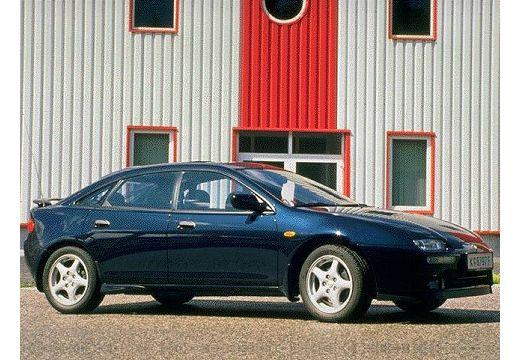 MAZDA 323 hatchback niebieski jasny przedni prawy
