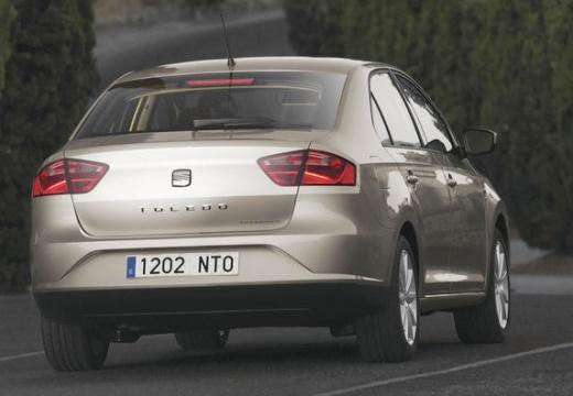 SEAT Toledo hatchback silver grey tylny prawy