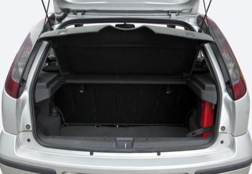 OPEL Corsa C II hatchback silver grey przestrzeń załadunkowa