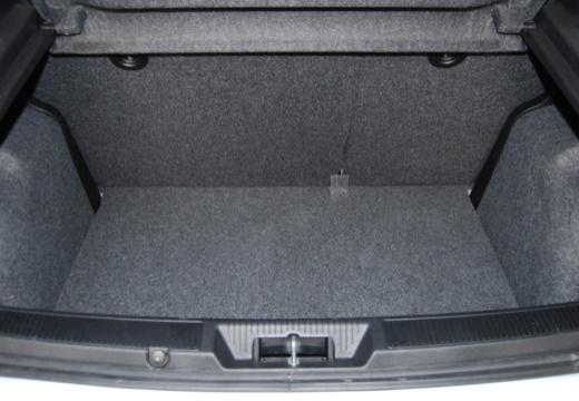 FIAT Punto Evo hatchback przestrzeń załadunkowa