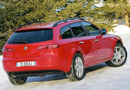 ALFA ROMEO 159 Sportwagon kombi czerwony jasny tylny prawy