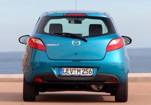 MAZDA 2 III hatchback niebieski jasny tylny