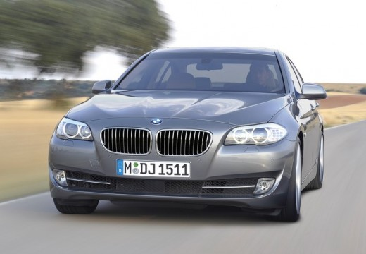 BMW Seria 5 F10 I sedan silver grey przedni lewy