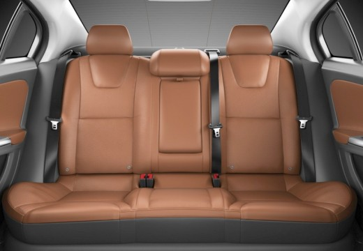 VOLVO S60 IV sedan wnętrze