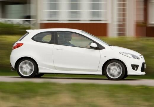 MAZDA 2 II hatchback biały boczny prawy