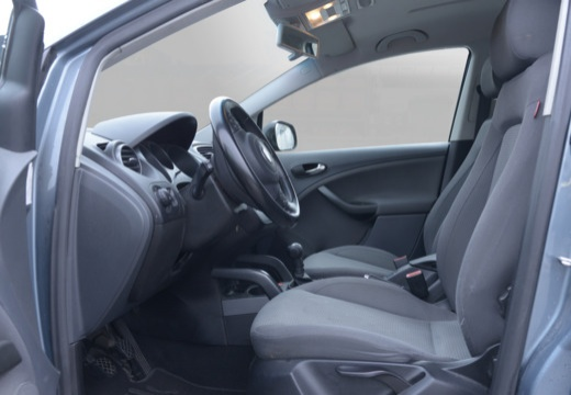 SEAT Altea hatchback wnętrze