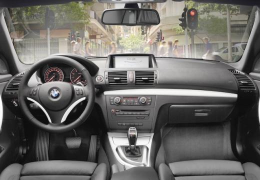 BMW Seria 1 kabriolet tablica rozdzielcza
