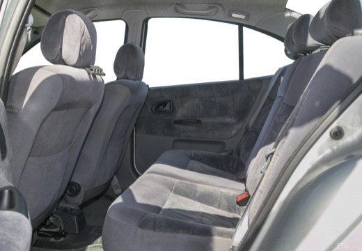 RENAULT Megane Classic II sedan wnętrze
