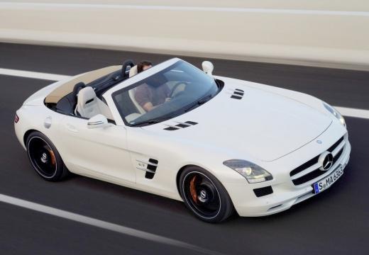 MERCEDES-BENZ SLS AMG roadster biały przedni prawy