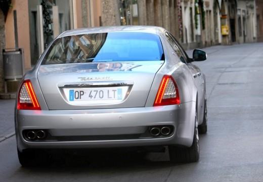 MASERATI Quattroporte sedan silver grey tylny prawy