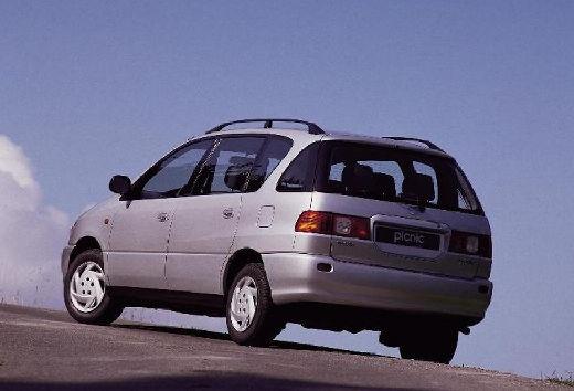 Toyota Picnic I van silver grey tylny lewy