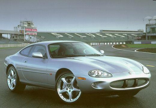 JAGUAR XK8 coupe silver grey przedni prawy